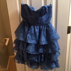 Alice and Olivia blue lace dress size 4